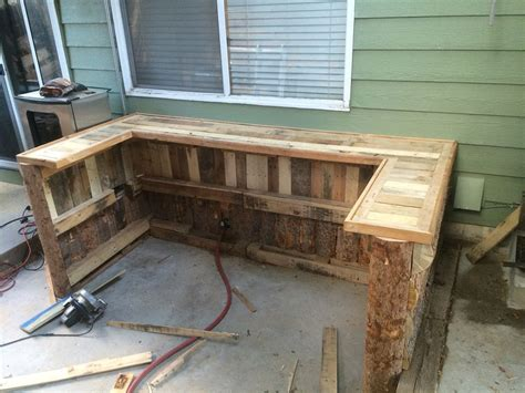 how to a coffee table out of pallets how to a coffee table out of pallets p coffee table