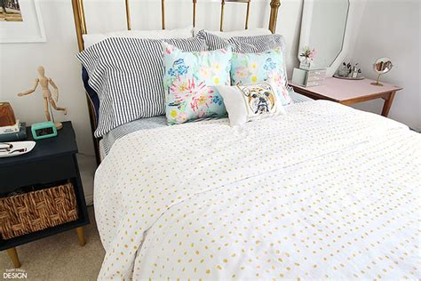 paper bedding 20 easy diys to transform your bedroom oak furniture