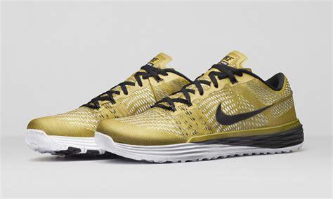 Limited Edition Tas Nike Laris limited edition gold nike lunar caldra nike news