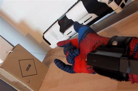 How To Make A Web Shooter Out Of Paper - spider fan builds real web shooter daily