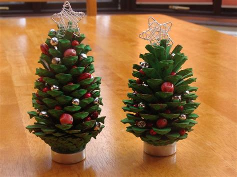 pine cone tree craft project 25 best ideas about fir cones on pinecone
