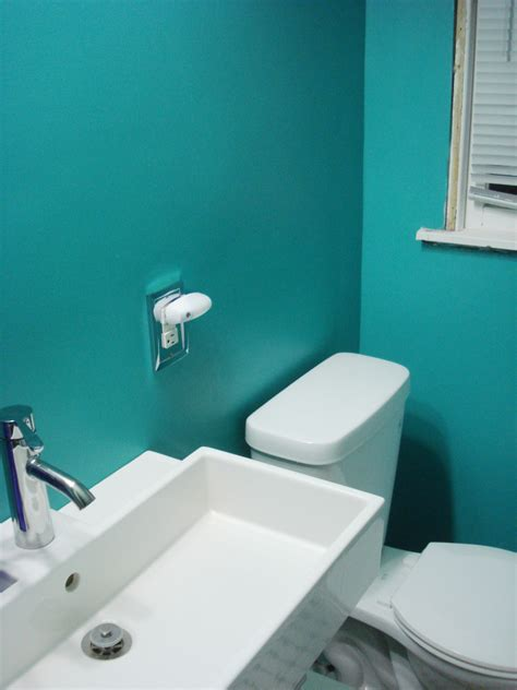 colored bathtubs and toilets cool teal home decor for spring and summer