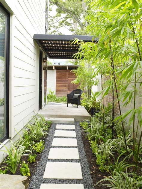 Side House Garden Ideas 25 Best Side Yard Landscaping Ideas On