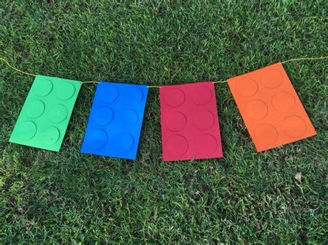 decoracion casera para fiestas guirnalda casera de lego para fiestas infantiles fiestas