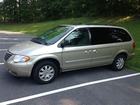 2005 Chrysler Town And Country by Picture Of 2005 Chrysler Town Country Signature Series