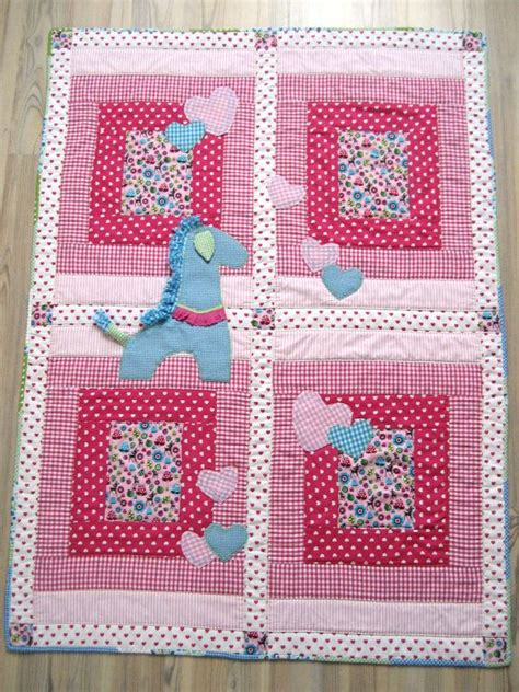 Handmade Baby Quilt - handmade baby quilt with appliqued giraffe and hearts