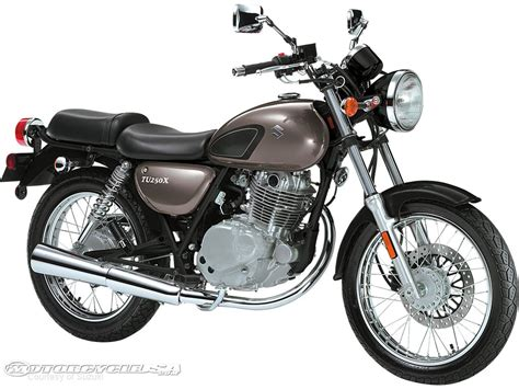 Suzuki Motorcycle Cruiser 2011 Suzuki Cruiser Models Photos Motorcycle Usa