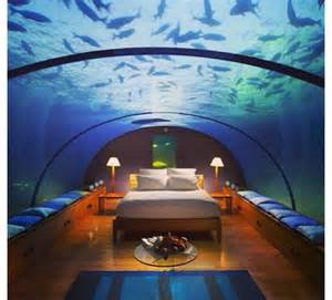fish tank bedroom cool fish tanks for bedrooms bedroom cool houses pinterest aquarium be awesome and