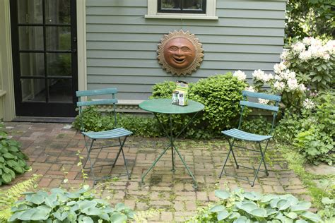 Patio Furniture Everett Wa How To Refresh Your Outdoor Furniture With Rust Oleum