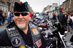 braut motor harley davidson bikers in pilgrimage to house where it all