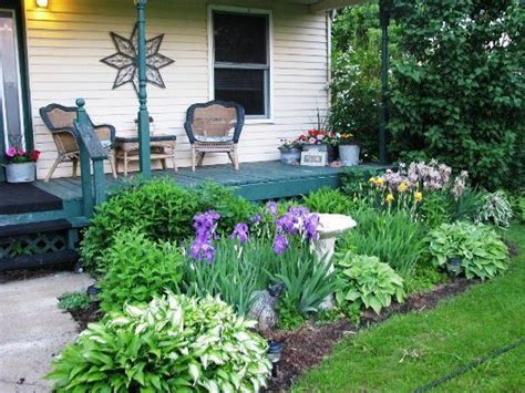 Front Porch Flower Gardens Catherines Traditional Front Front Garden Bed Ideas