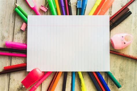 imagenes de niños y utiles escolares papel y 250 tiles escolares descargar fotos gratis