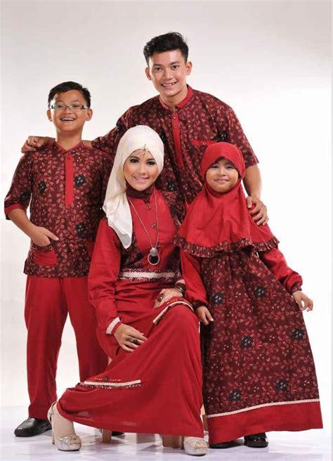 Baju Muslim Warna Merah contoh baju muslim batik keluarga terbaru 2015