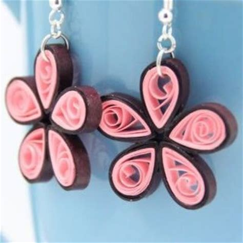 Paper Earrings Tutorial - paper quilled earring tutorial papercraft juxtapost