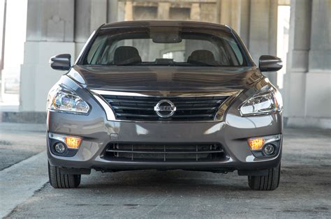 nissan altima 2015 2014 nissan altima reviews and rating motor trend