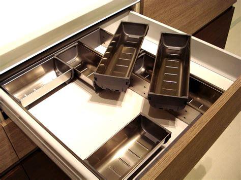 cassetto posate come organizzare il cassetto delle posate dress my table