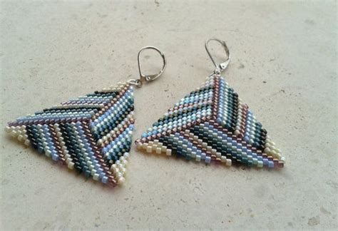 triangle beaded earrings 17 best images about peyote triangle on