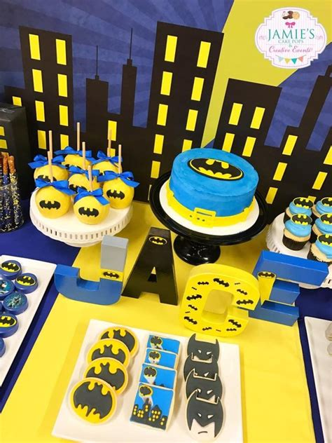 ideas  batman cake pops  pinterest batman party superhero cake pops  batman cakes