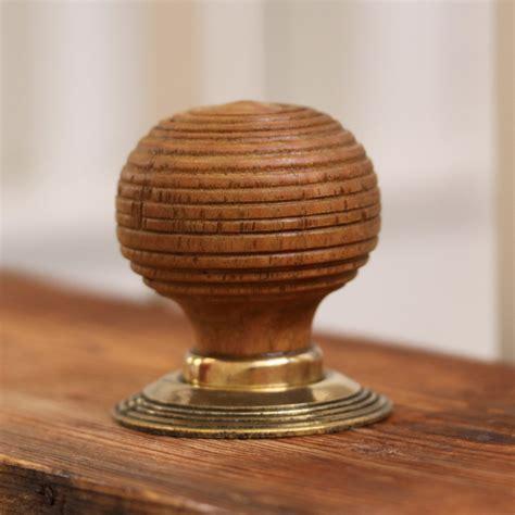 Beehive Door Knob by Oak Beehive Door Knobs Squat