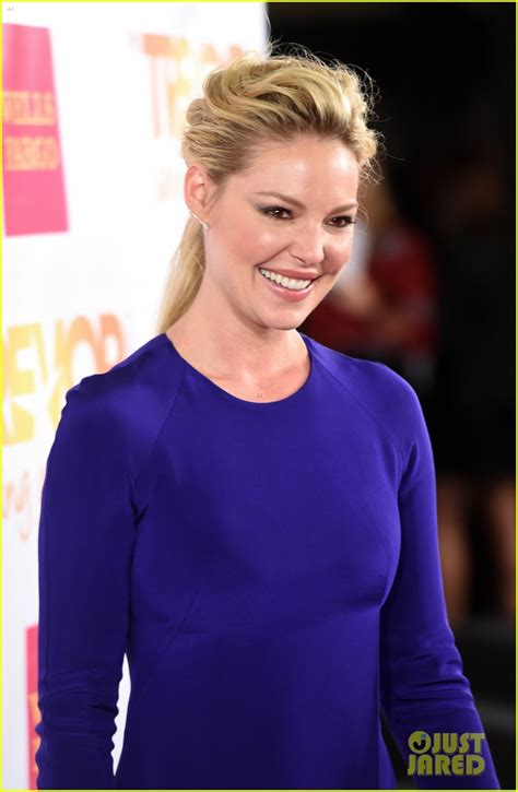 Jen And Liv Brighten Up The Carpet by Katherine Heigl Kudrow Snow Brighten Up