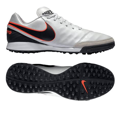 turf soccer shoes the nike tiempo mystic v turf shoes use a traditional