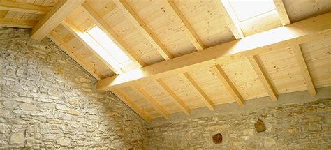 insonorizzare il soffitto isolamento acustico tetto e mansarde soluzioni antivibranti
