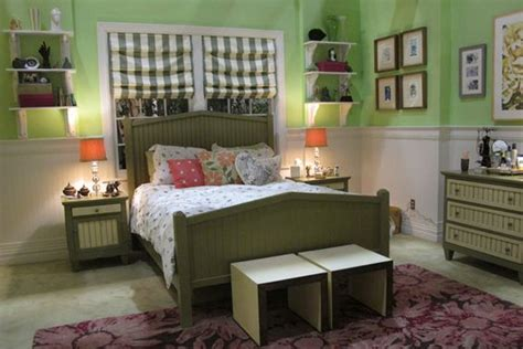 pll bedrooms mona s bedroom pretty little liars hollywood homes