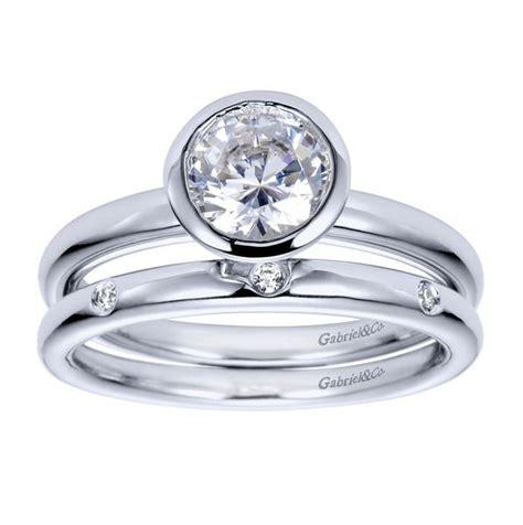 bezel set wedding band best 25 bezel set engagement rings ideas on pinterest