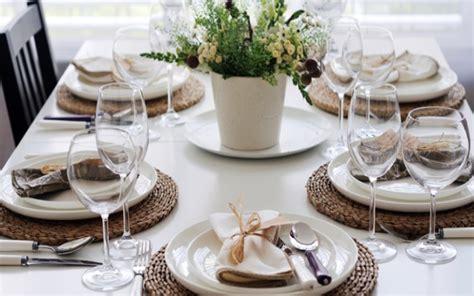 tavola ben apparecchiata come apparecchiare la tavola per una cena tra amici tante