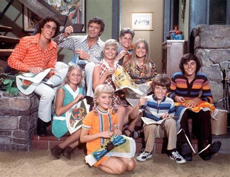 the brady bunch cast reunites to remember florence