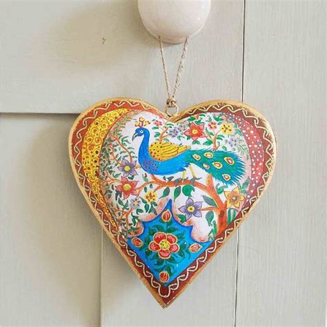 28 cool heart decorations for valentine s day digsdigs 40 handmade hearts decorations that make great valentines