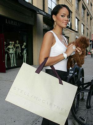 Spotted Shopping Beyonce Alba And More by Spotted Shopping Rihanna Beyonce And More Style News