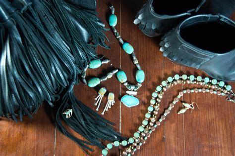 7 Ways To Wear Turquoise by Modern Ways To Wear Turquoise Jewelry Likely By Sea