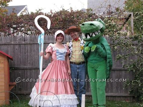 coolest diy costume idea story cool story family costume coolest costume contest