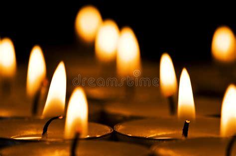 foto di candele candele fotografia stock immagine di cattolico bruciarsi