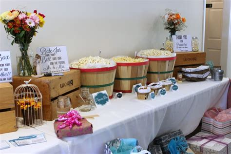 how to throw a rustic country bridal shower big s - Country Style Bridal Shower Decorations