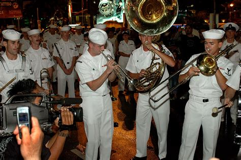 kuala lumpur international tattoo 2007 file us navy 070831 n 5174t 018 sailors from the pacific