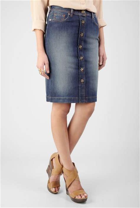 d g button front denim knee skirt in blue denim lyst