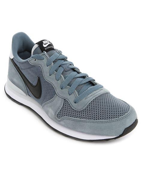 mesh nike sneakers nike grey internationalist suede and mesh sneakers in gray