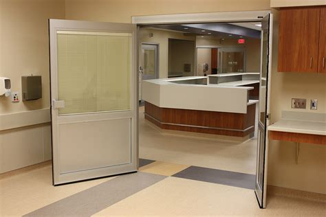 swing doors icu manual swing door nabco entrances