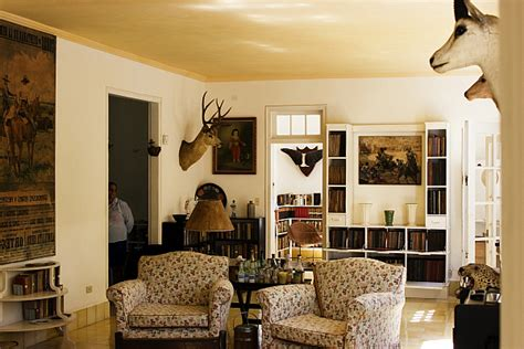safari themed living room safari themed interior cuba hemingway living room decoist