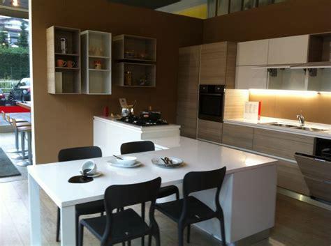 arredamenti spinelli cucina scavolini con isola idee di design per la casa