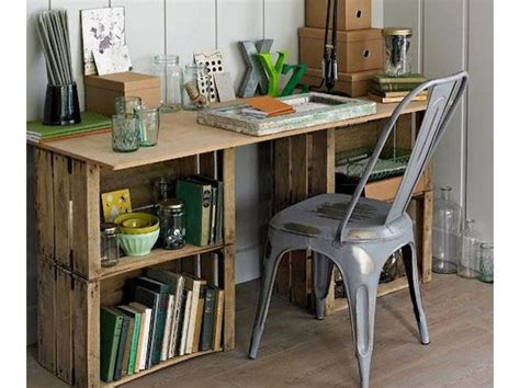 costruire scrivania fai da te costruire una scrivania con le cassette di legno donna