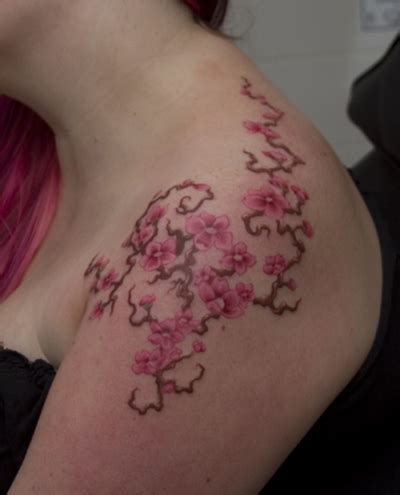 vine shoulder tattoo designs