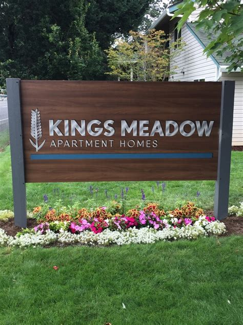 Troutdale Dining Room by Kings Meadow Apartments Rentals Troutdale Or