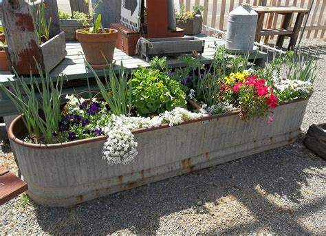 Backyard Planter Designs Ideas Glamshelf Small Herb Garden Patio Planter Ideas