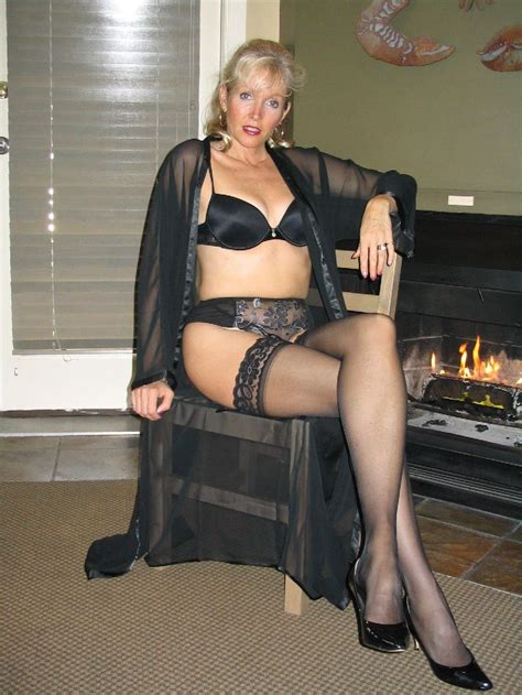 Mature Wife Posing In Sexy Black Lingerie Milf Update