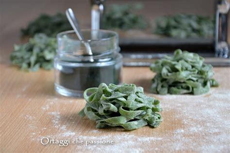 ricetta tagliatelle fatte in casa tagliatelle fatte in casa pasta fresca colorata ortaggi