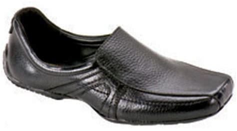 Sepatu Wanita Sepatu Kulit Sepatu Clark Bow 09 Sepatu Murah model terbaru busana i pakaian i kaos switcher i celana i mukena i jaket i spatu t tas