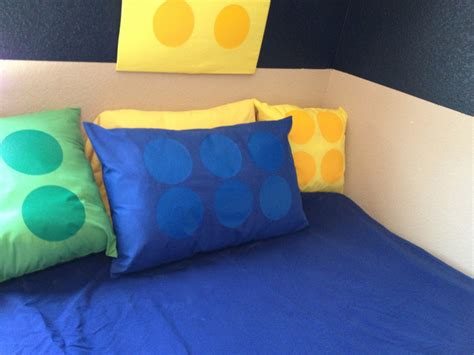 Lego Pillow by How To Make A Fabulous Diy Lego Room